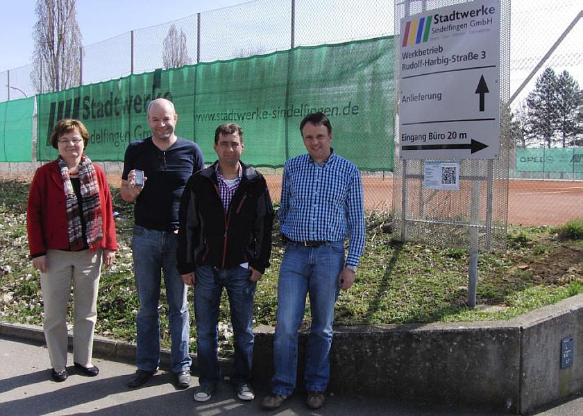 Pressefoto mit Verantwortlichen von Stadt und Stadtwerken
